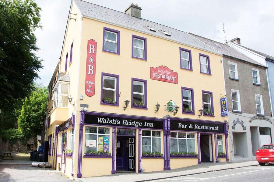Walshs Bridge Inn - Newport